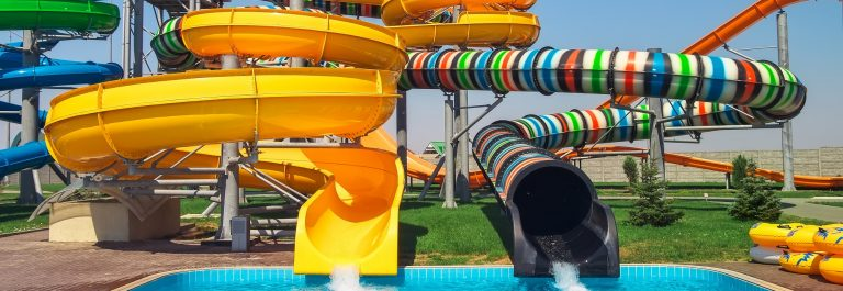 Aquapark_sliders_shutterstock_419986054