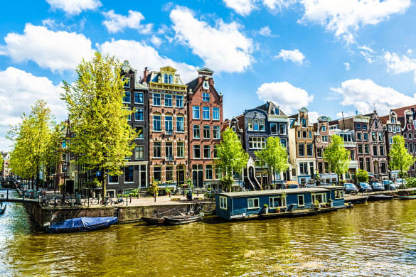 Hausboote in Amsterdam