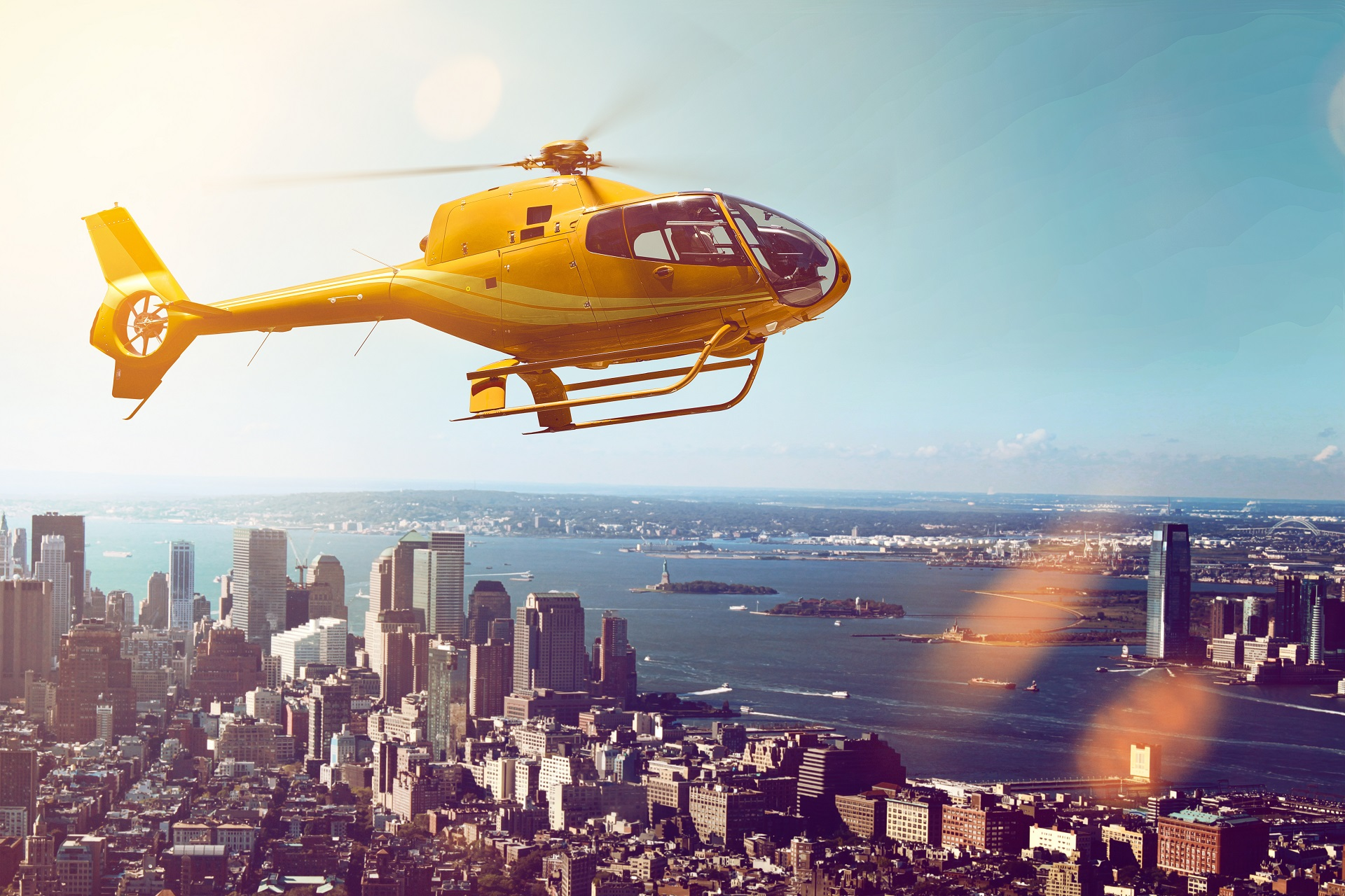 New York_Helicopter Flight_shutterstock_267936557