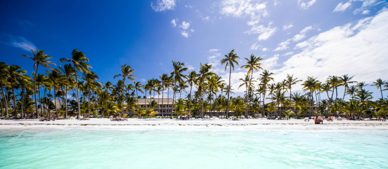 Martinique Beach iStock_000047806366_Large-2