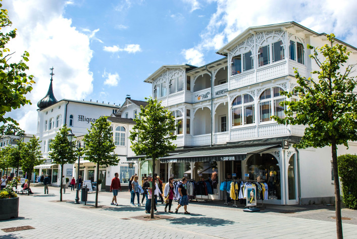 Promenade in Binz, Germany iStock_000027513319_Large EDITORIAL ONLY delray77-2