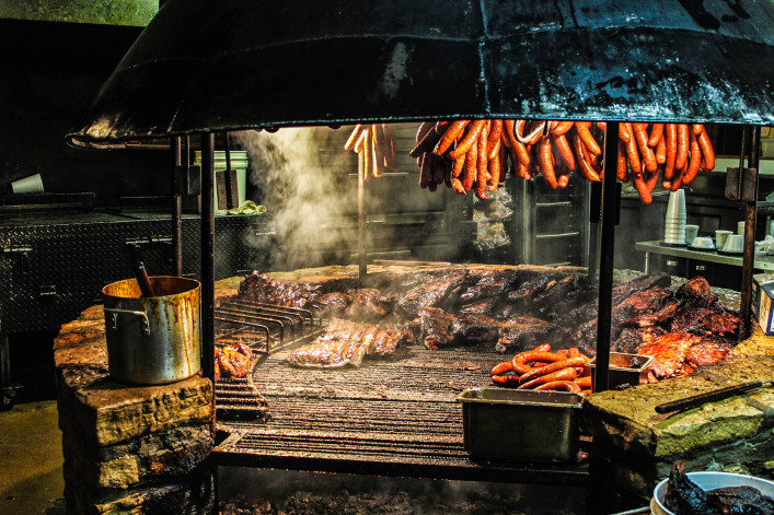 Texas Style Barbecue Pit iStock_000050529976_Large-2