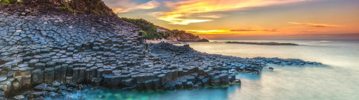 Sunrise on Giant Causeway