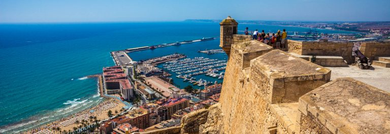 Alicante with the Santa Barbara Castle, Spain iStock_000025987101_Large EDITORIAL ONLY Holger Mette-2