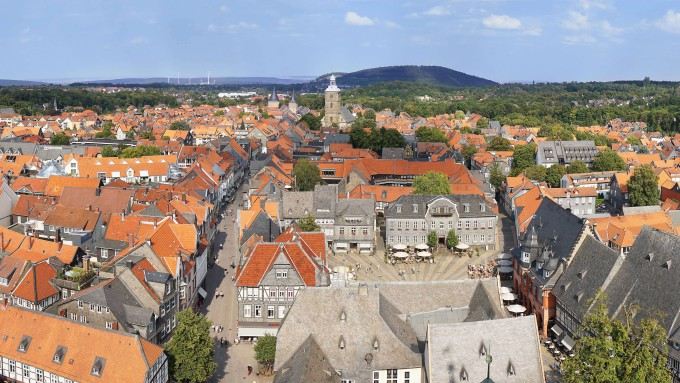 aerial view of historic town Goslar in Germany_shutterstock_527177566_klein
