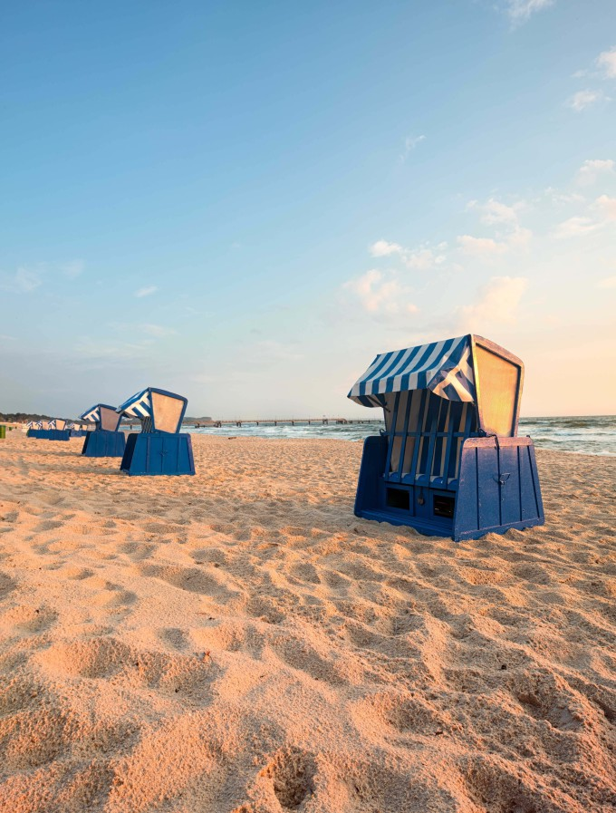 Beach chairs in in Binz, Ruegen Island, Germany, early in the morning_shutterstock_390247378-1