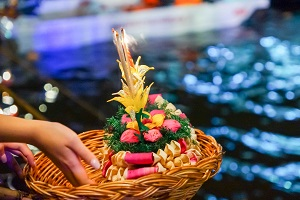 Reiseziele November_Events_Festivals_Loy Krathong Lichterfest Thailand