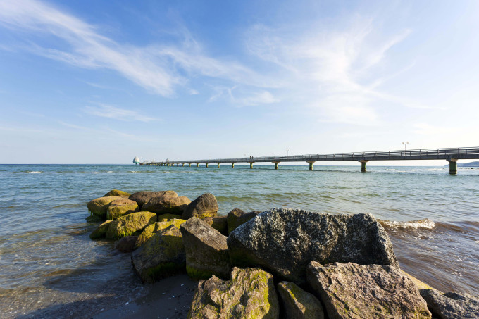 the seabridge of Grömitz in the bay of Lübeck_shutterstock_78229351_klein
