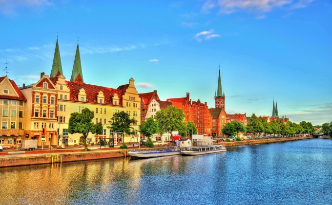 The Trave River in Lubeck – Germany, Schleswig-Holstein_shutterstock_519605452_klein