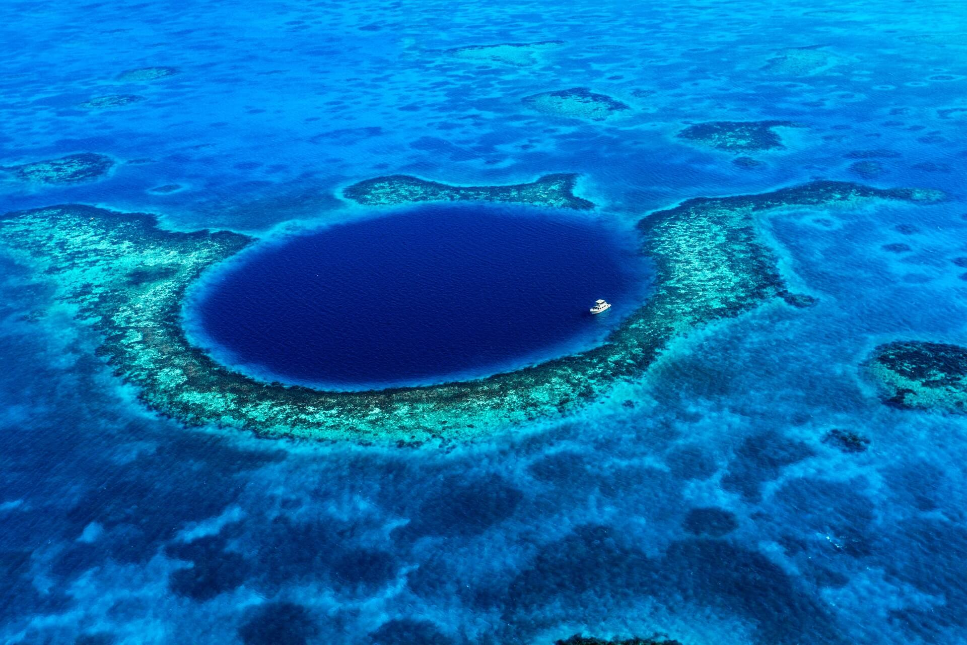 Das Great Blue Hole in Belize in der Karibik