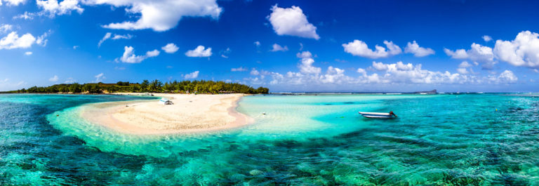Mauritius Beach Reef Majestic Scenics iStock_000064252115_Medium-2