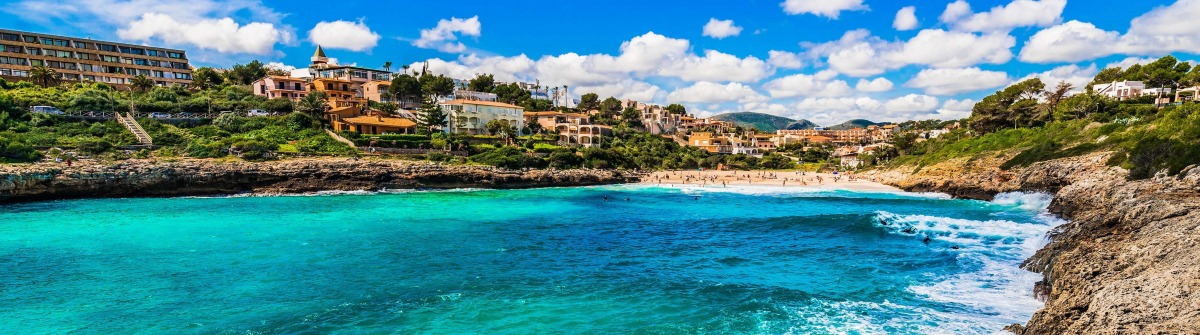 Idyllic view of the bay Cala Mandia beach Majorca, Spain shutterstock_584301406-2 Kopie