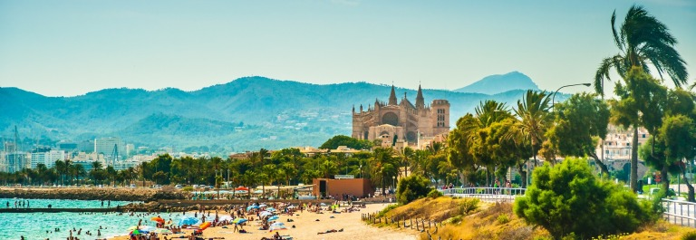 View of the beach of Palma de Mallorca_shutterstock_336903863