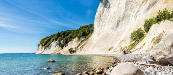 hrs-rügen-am-land-ruegen-istock_000021241589_large-2_1920-1200×335