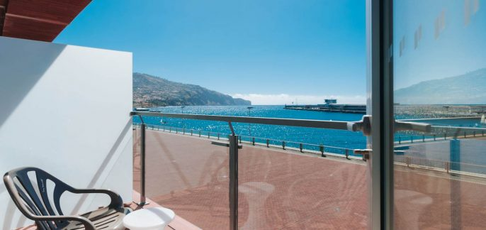 modern-hotel-funchal-rooms-superior