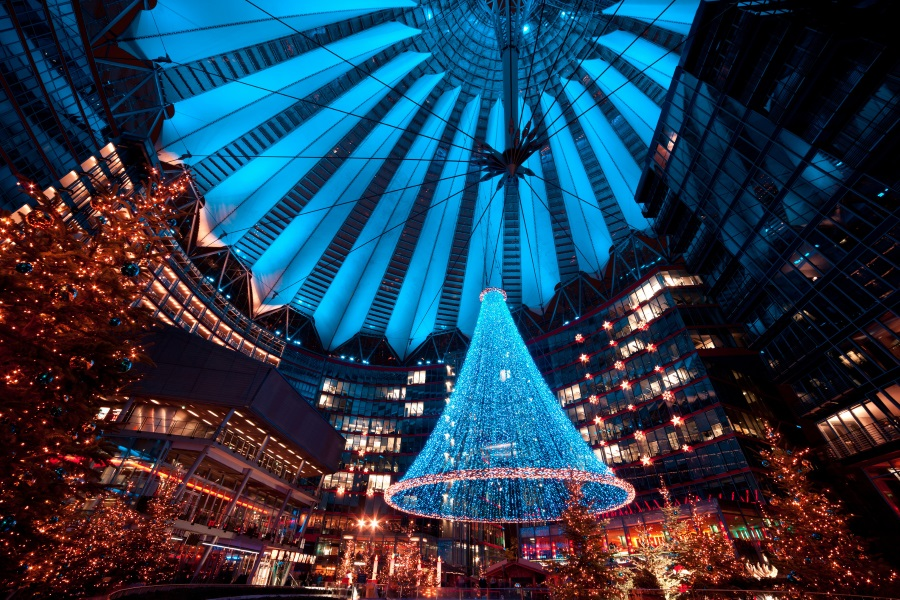 Weihnachtsmarkt am Potsdamer-Platz in Berlin Sony-Center
