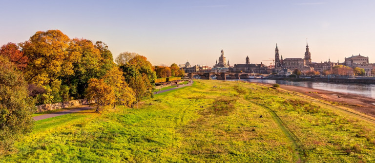 dresden_herbst_sunset_skyline_1056629567