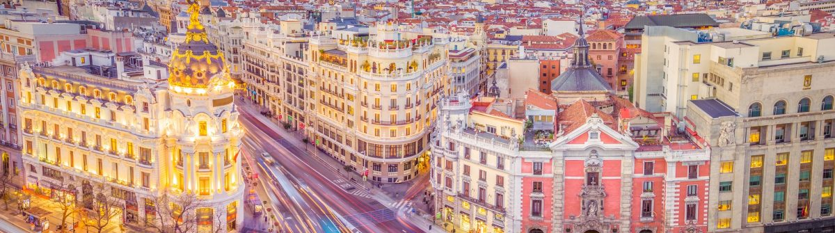 Downtown-Madrid-Spain-where-the-Calle-de-Alcala-meets-the-Gran-Via.-These-are-two-of-the-most-famous-and-busy-streets-in-Madrid_554453284