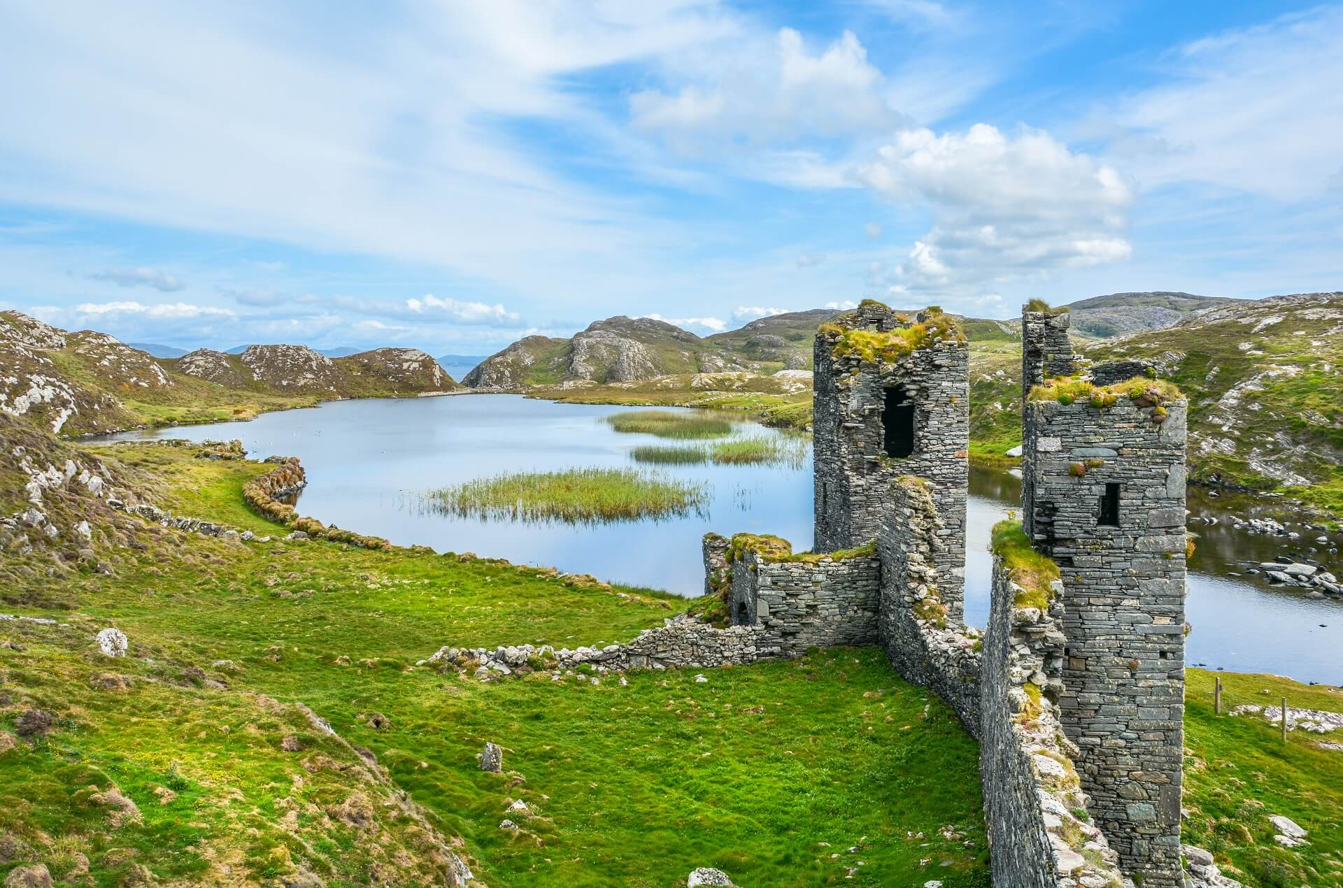 Three Castle Head, früheres Dunlough Castle in Irland