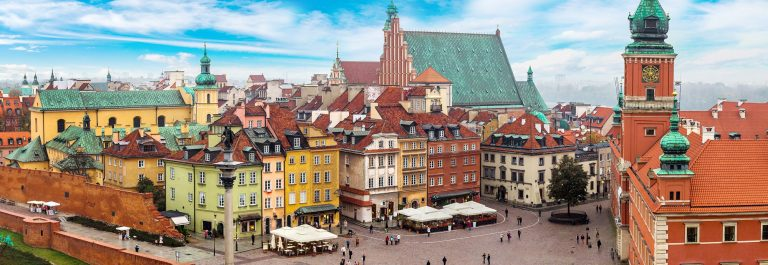 Panoramic-view-of-Warsaw-in-a-summer-day-n-Poland_shutterstock_348329885