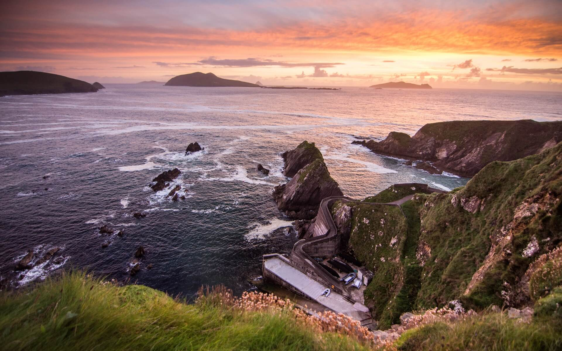 Der Dunquin Pier auf der Halbinsel Dingle Peninsula, Irland
