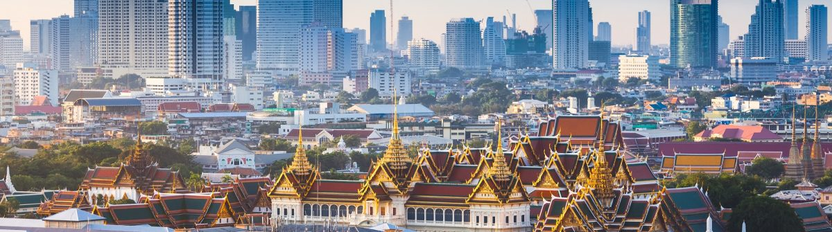 Sunrise-with-Grand-Palace-of-Bangkok-Thailand_shutterstock_300284237