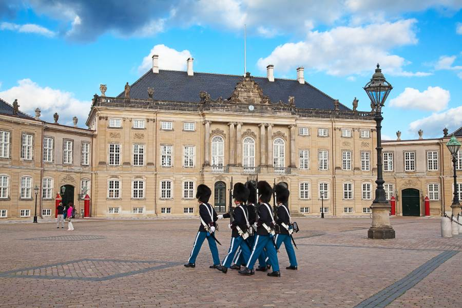 Nationalgare am Schloss Amalienborg