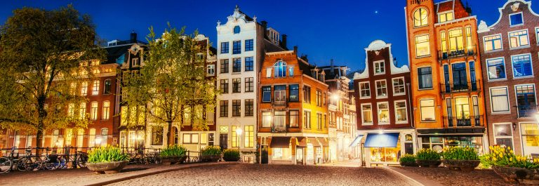 Amsterdam-Night-shutterstock_330686699-2