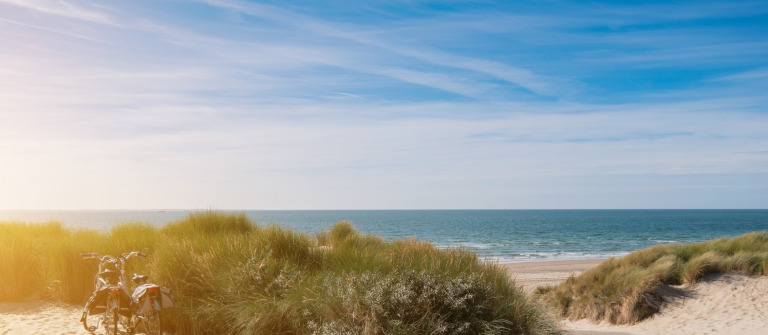 Beach-in-Zeeland-Domburg-shutterstock_602562500