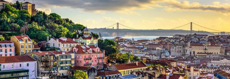 Lisbon-Portugal-Skyline-and-Castle-iStock_000052129662_Large-2