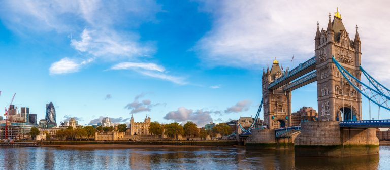 Panoramic-London-skyline-with-iconic-symbol-the-Tower-Bridge-and-Her-Majestys-Royal-Palace-and-Fortress-shutterstock_783218599