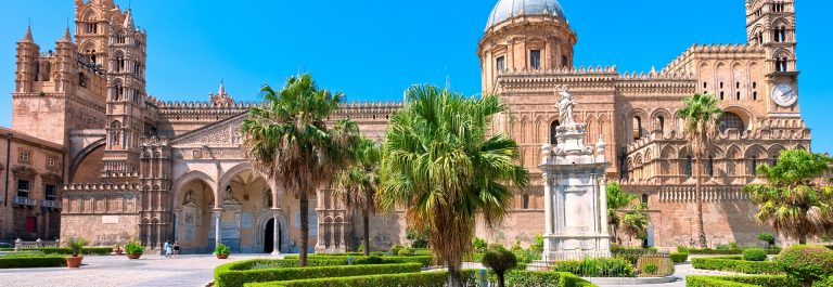 Last_Minute_Sizilien_Cathedral_of_Palermo_shutterstock_91187723