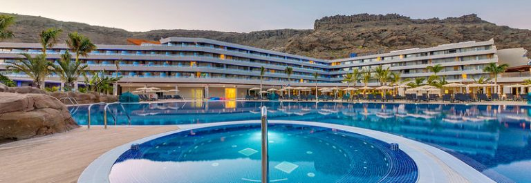 UG-IBE_RADISSON-BLU-RESORT-SPA-GRAN-CANARIA-MOGAN-1