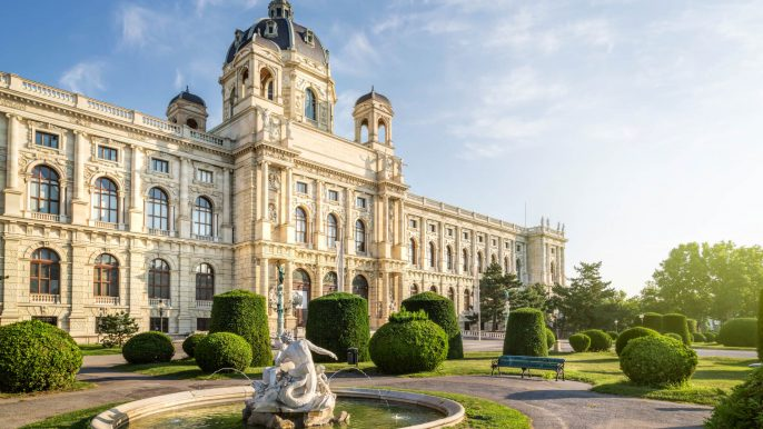 The-Natural-History-Museum-Wien_shutterstock_287595659
