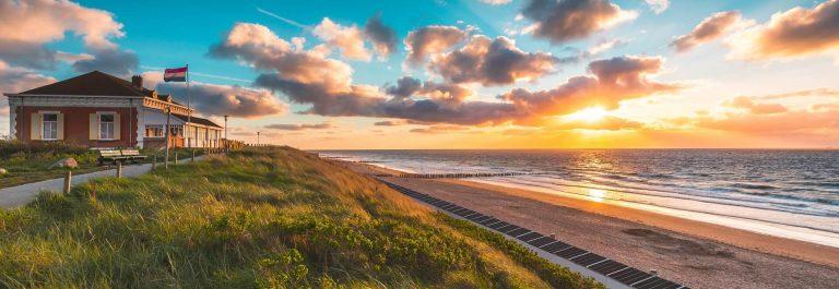 Ein Nordseestrand in Holland.