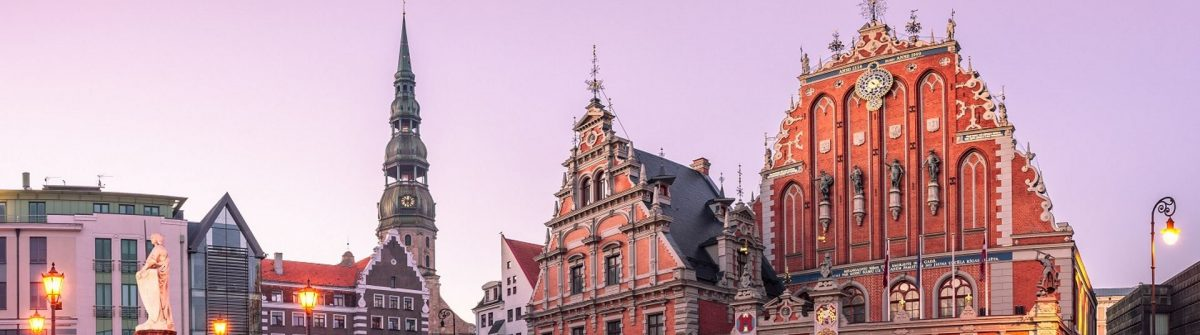 City-Hall-Square-with-House-of-the-Blackheads-and-Saint-Peter-church-in-Riga-Old-Town-During-sunset-time_shutterstock_459242056