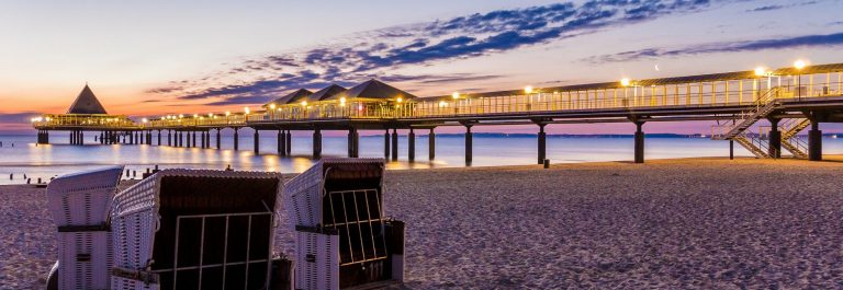 beach-chairs-on-the-beach-of-Heringsdorf-Usedom-in-Germany