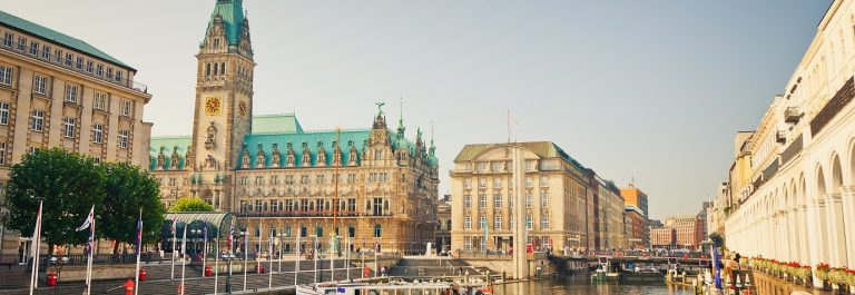 Hamburg_shutterstock_85884004-Copy