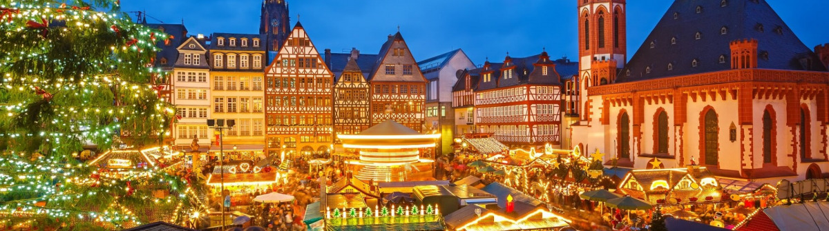 Traditional-christmas-market-in-Frankfurt-Germany-shutterstock_161283887_min