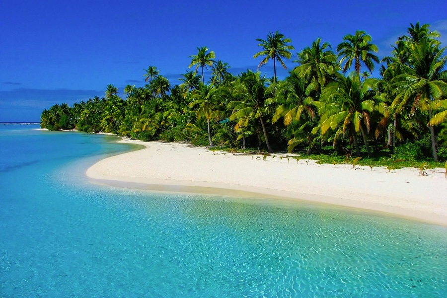 Dream beach on one of the Cook Islands in the South Pacific