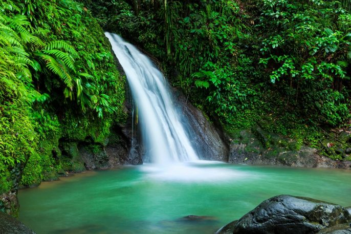 cascades-aux-ecrevisses-wasserfall-guadeloupe-istock_000030201066_large-2-1